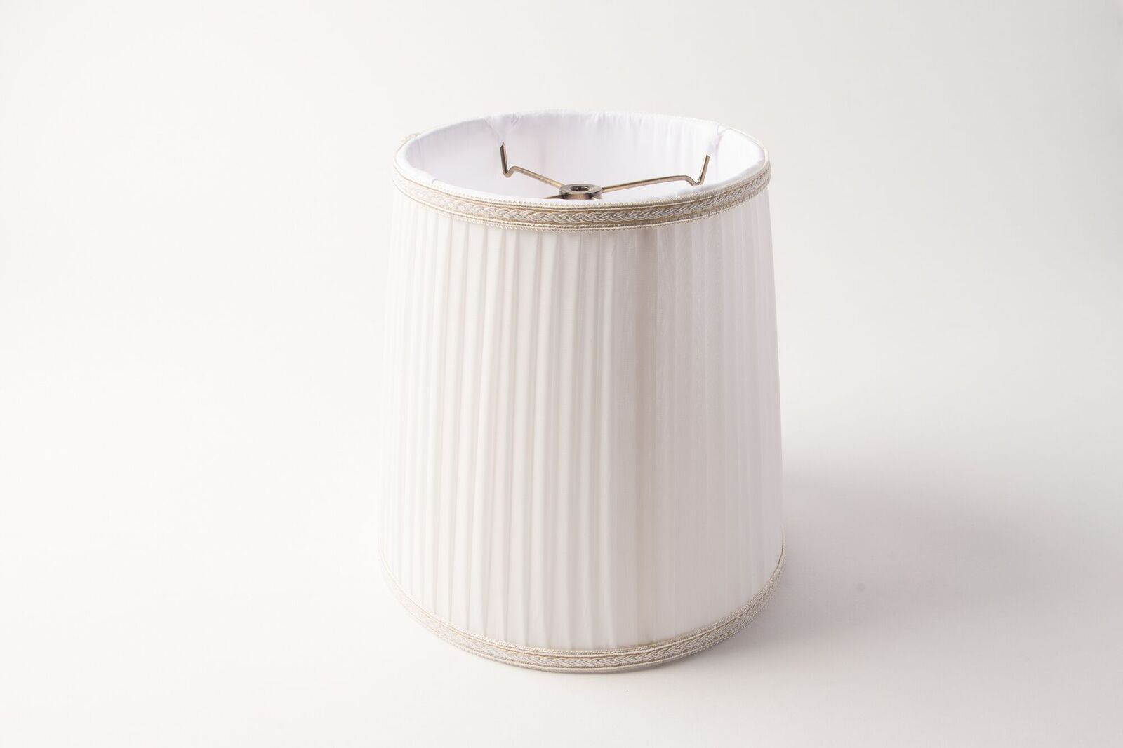 https://www.hotel-lamps.com/resources/assets/images/product_images/Drum_Side_Pleat_White.jpeg