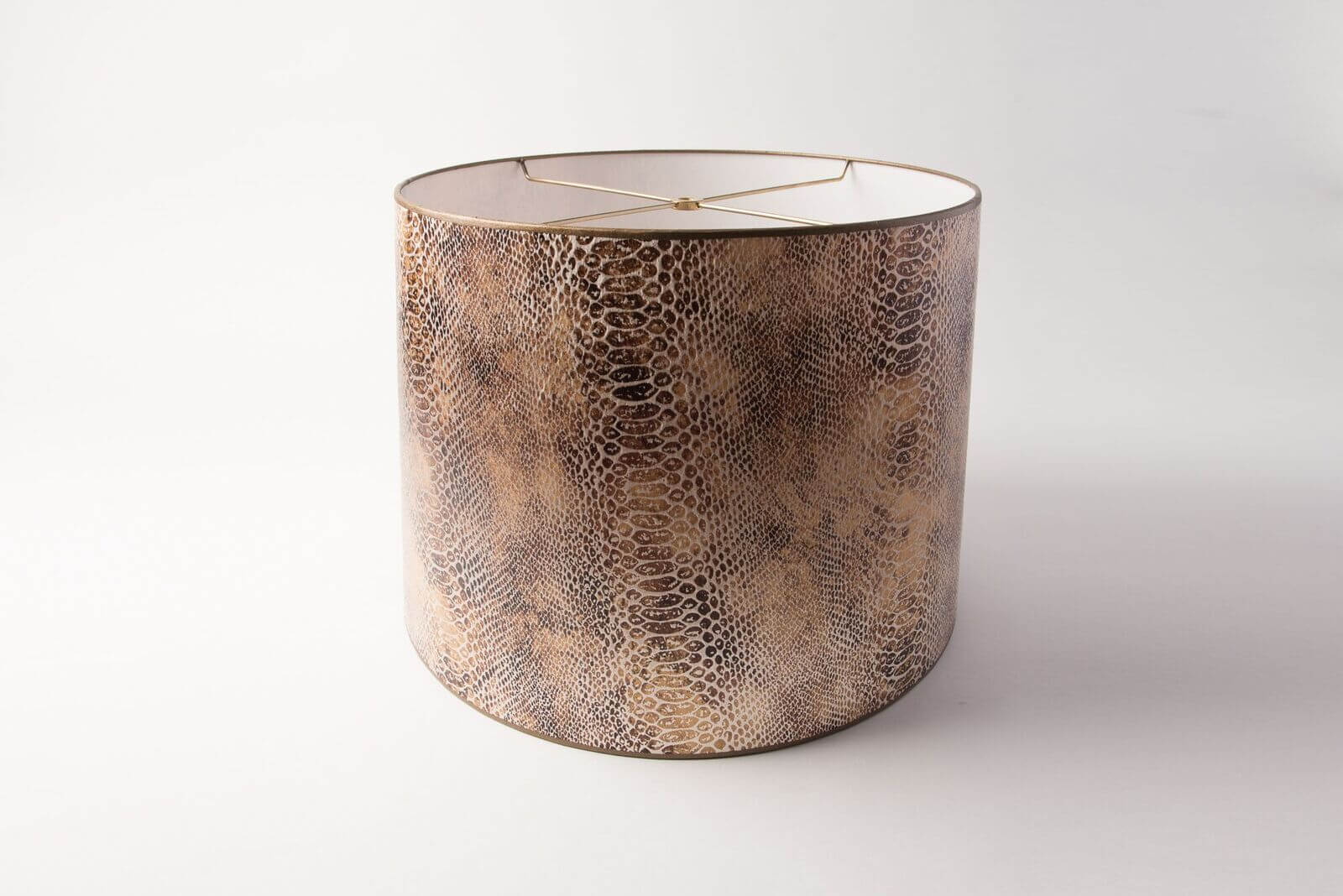 https://www.hotel-lamps.com/resources/assets/images/product_images/retro_drum_snakeskin_tan.jpeg